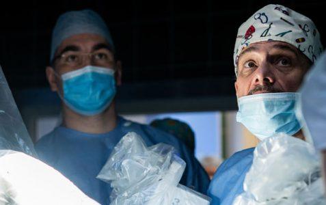 Pierwsze w Polsce operacje usunięcia prostaty w asyście systemu robotycznego da Vinci z wykorzystaniem dwóch konsoli chirurgicznych